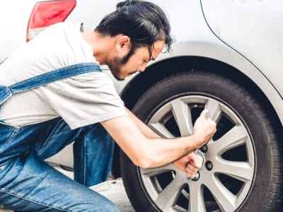 How to change a tire on a rim